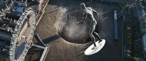 Los 4 Fantásticos y Silver Surfer, el Támesis con el efecto Silver Surfer